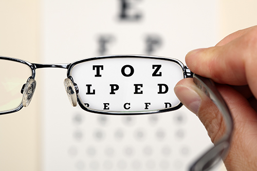 Dr. Mark Lynn To Offer Patients $1 Eye Exams